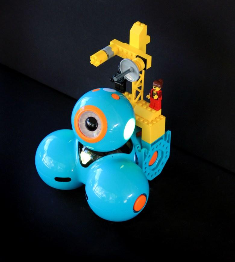 Dash Robot with LEGOs