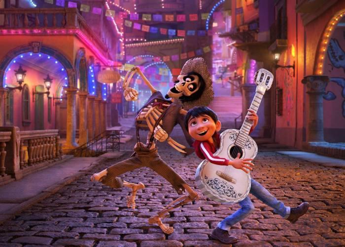 Getting A Sneak Peak At Disney Pixar's COCO Movie #PixarCocoEvent