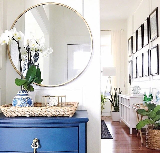 entrance decor in blue colors interior design inspiration