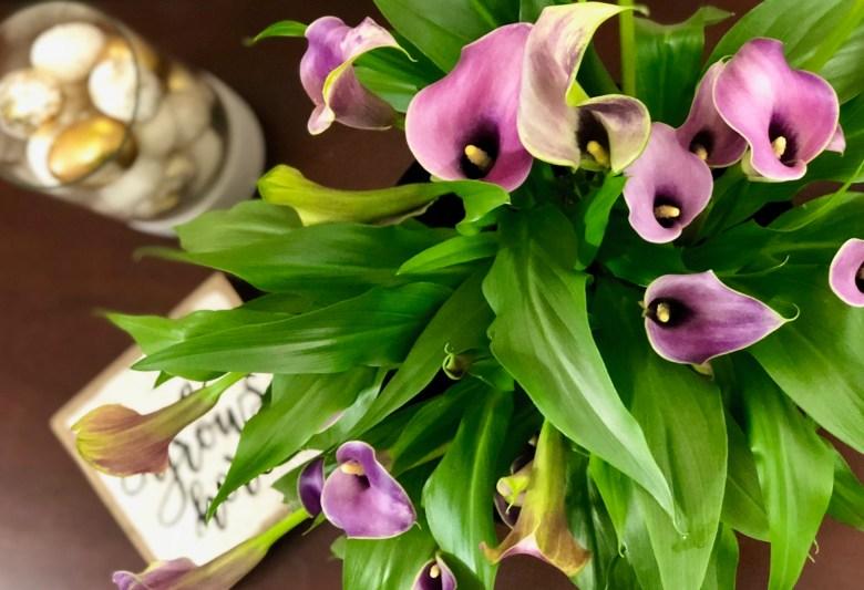 calla lilies spring decor