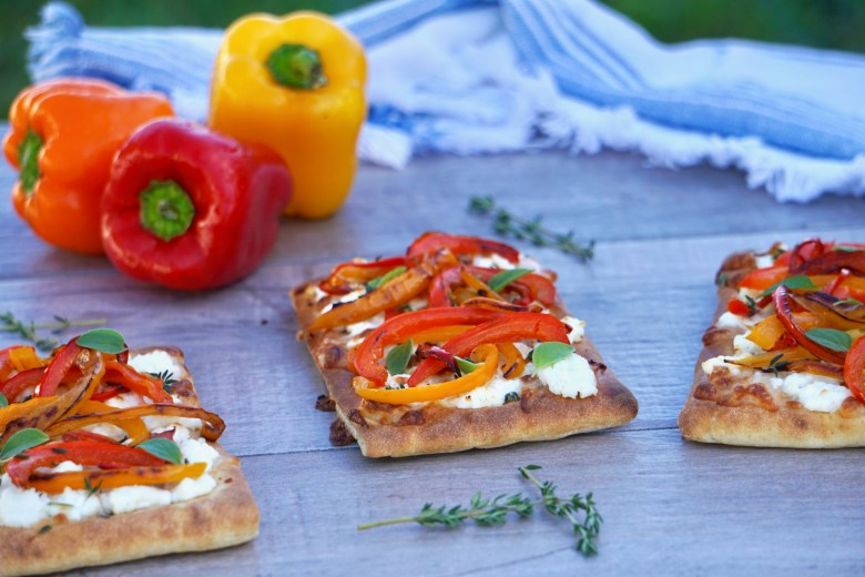 Bell pepper and goat cheese flatbread pizza