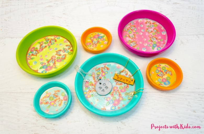 Painted Jewelry Dish and lots of other adorable and easy Mother's day craft for kids