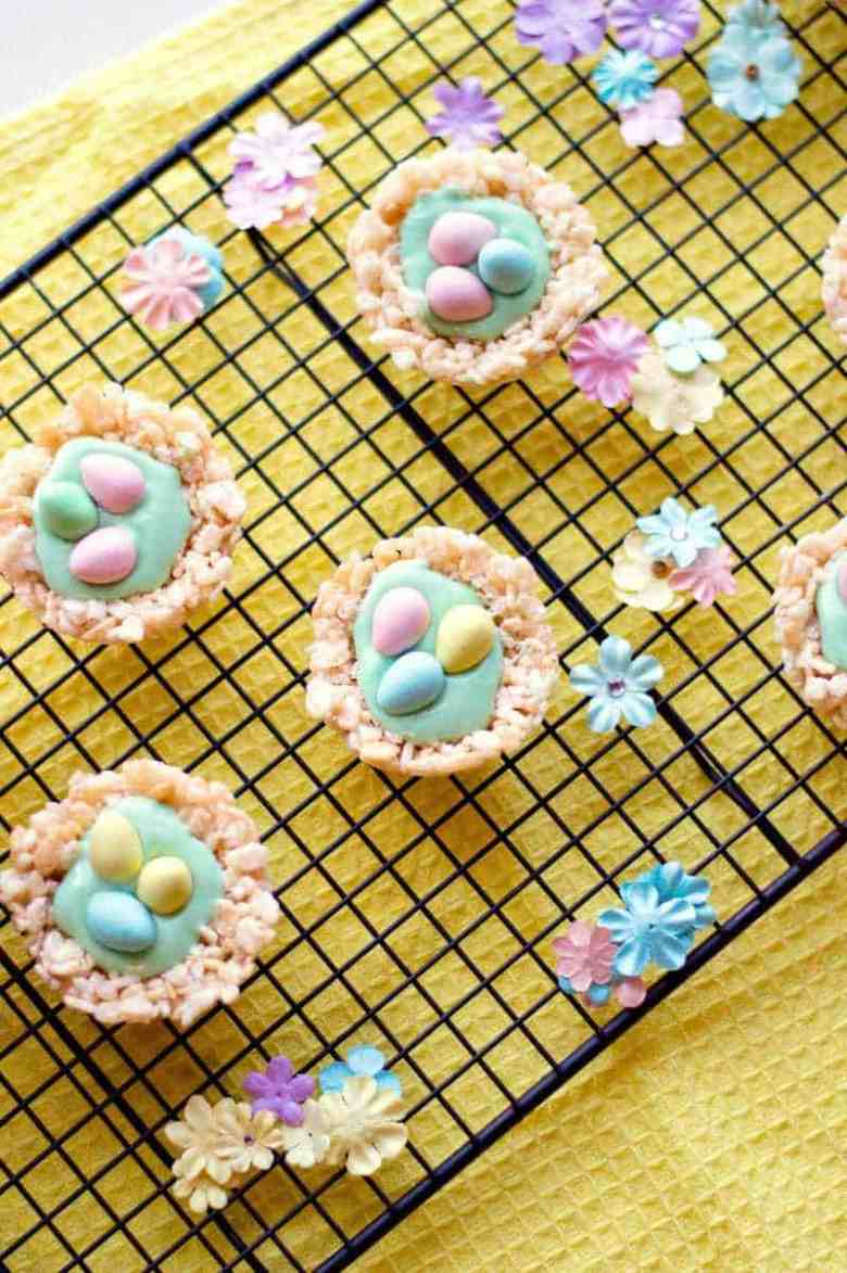 Rice Krispie Treat Nests and other cute and delicious Easter desserts that are perfect for an Easter party!
