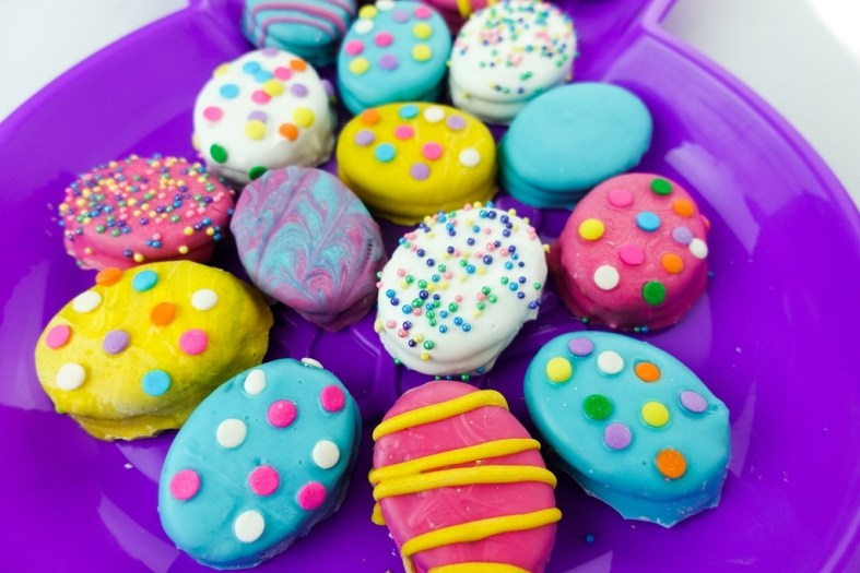 Decorated Easter egg Oreo cookies
