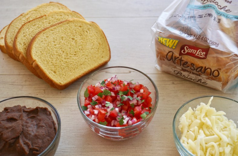 ingredients for molletes