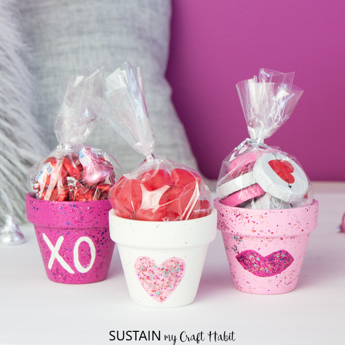 Valentines-Day-Painted-Candy-Pots