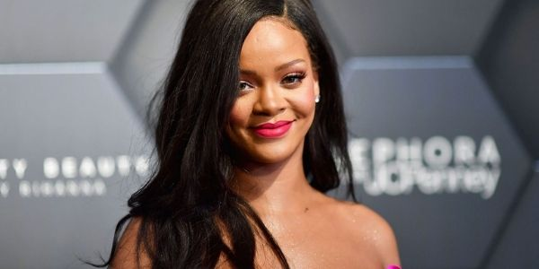 How Tall Is Rihanna
