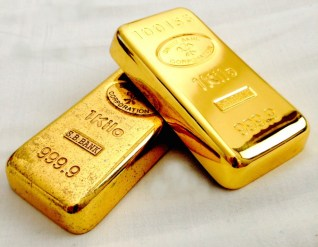 10 reasons to invest in gold