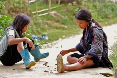 Hmong girls, hmong village, hmong guides, hmong culture tavan village