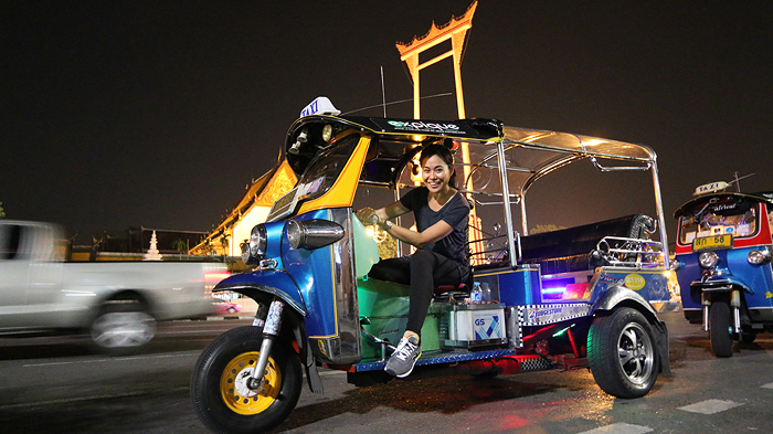 Expique Night Tuk Tuk Tour, night light tuk tuk tour bangkok, bangkok city tour, bangkok night city tour