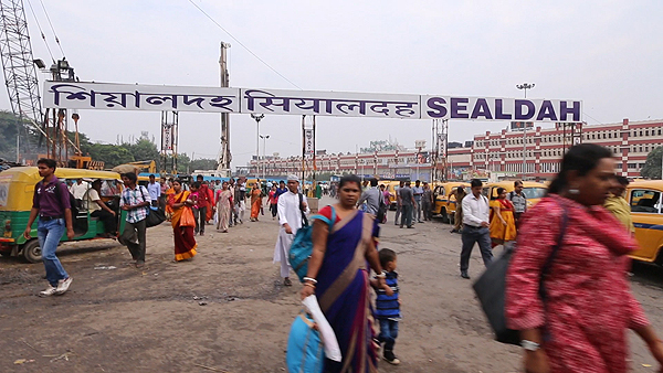 sealdah station kolkata, getting around in kolkata, top attractions of kolkata, things to do in kolkata, kolkata city highlights