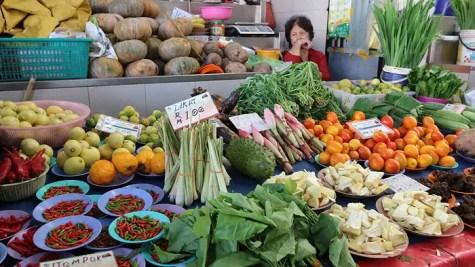 sarawak market, Medan Niaga Satok Market vendor