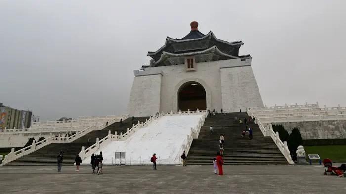 best things to do taipei, taipei travel guide, taipei top attractions, top attractions taipei, chiang kai shek memoria