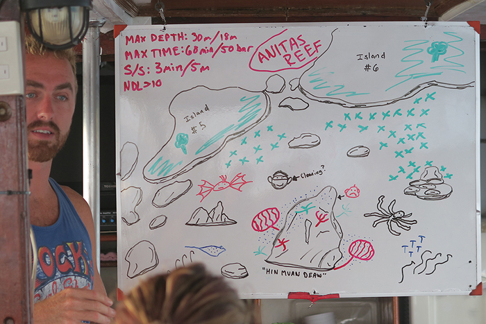 dive briefing, wicked diving liveaboard boat, wicked diving boat, what is a liveaboard, wicked diving khao lak, wicked diving similan islands, wicked diving flores