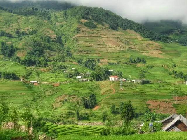 sapa valley hike, sapa valley trekking, trekking sapa, trekking in vietnam, trekking tours vietnam, sapa homestay, tavaan village homestay, hmong village sapa valley