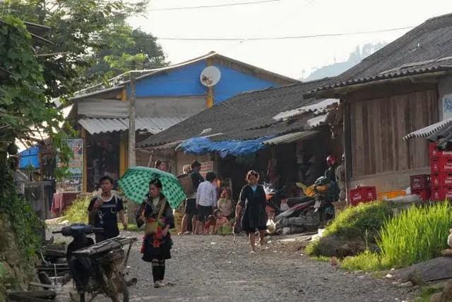 homestay vietnam, tavan village homestay bedding, trekking accomodations sapa valley, sapa valley trekking, trekking sapa, trekking in vietnam, trekking tours vietnam, sapa homestay, tavaan village homestay, hmong village sapa valley