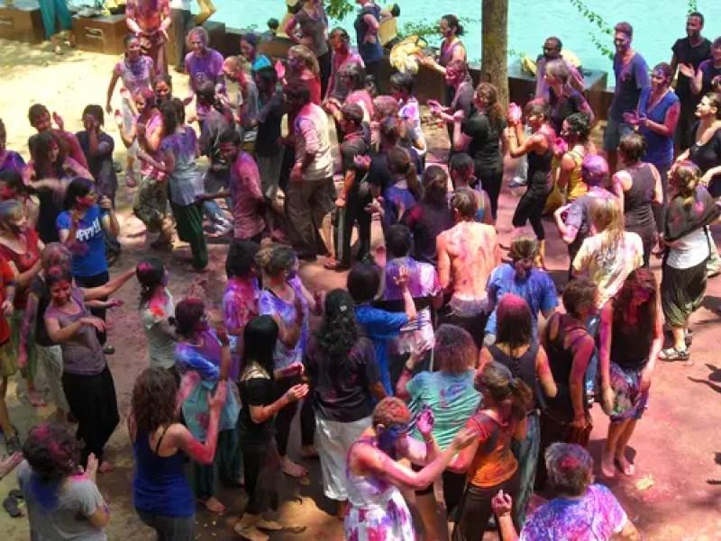 holi celebrations, sivananda ashram, ashrams in india