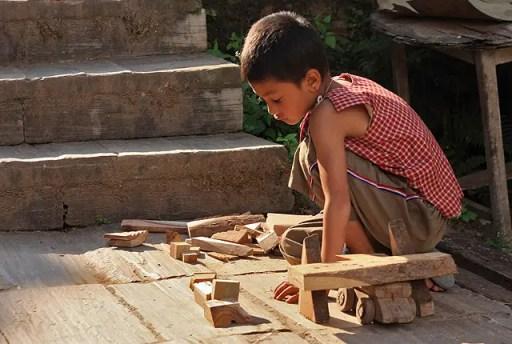 children in Bhatipur