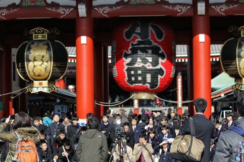 sensoji temple asakusa,sensoji kaminarimon, asakusa travel guide, asakusa attractions, best things to do in asakusa tokho tokyo attractions