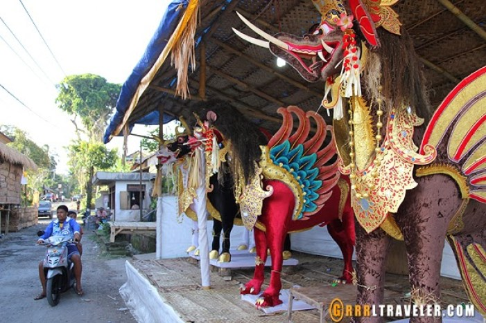 balinese cremation ceremony, cremation festival bali, 18 things to know before you go to bali, bali travel guide, travel to southeast asia, southeast asia travel, popular destinations in indonesia, travel to indonesia, travel to bali, balispirit