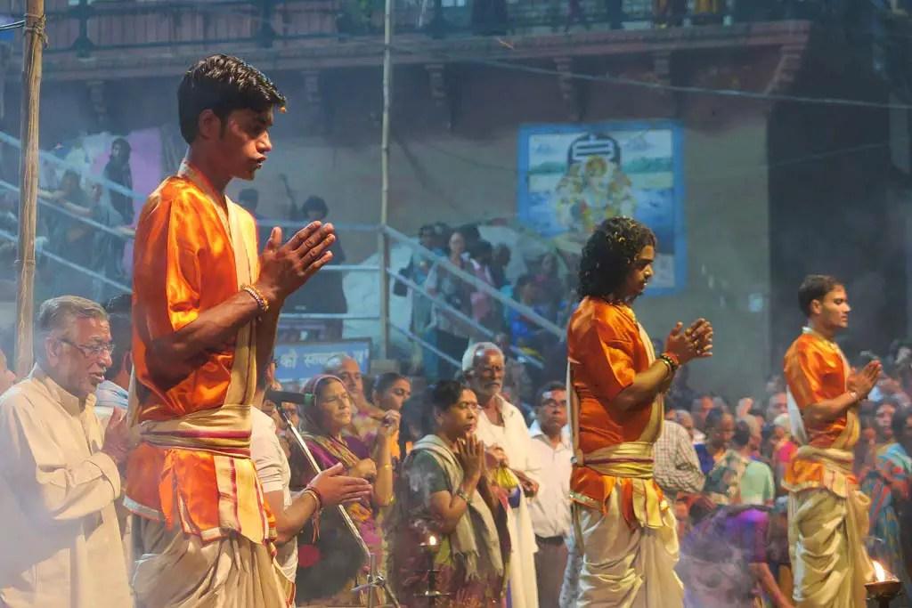 Varanasi Travel Guide, Evening Aarti at Dashashwanath Ghat