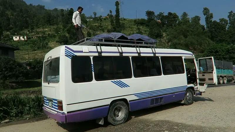 bus roadtrip nepal, getting from kathmandu to chitwan