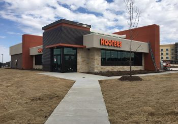 Hooters Restaurant Final Post Construction Cleaning in Dallas TX 011 b4dbb6215e98698cd875bc1a7b5267eb 350x245 100 crop Hooters Restaurant Final Post Construction Cleaning in Dallas, TX