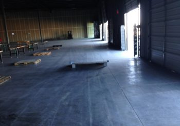 Warehouse Windows Cleaning in Frisco Tx 01 335fc4f6736af603d12189058eec7153 350x245 100 crop Warehouse and Office Windows Cleaning in Frisco, TX