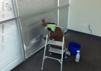 Warehouse Windows Cleaning in Frisco Tx 04 7a529a7c97a8a3f7dd5dd51510f999d2 350x245 100 crop Warehouse and Office Windows Cleaning in Frisco, TX