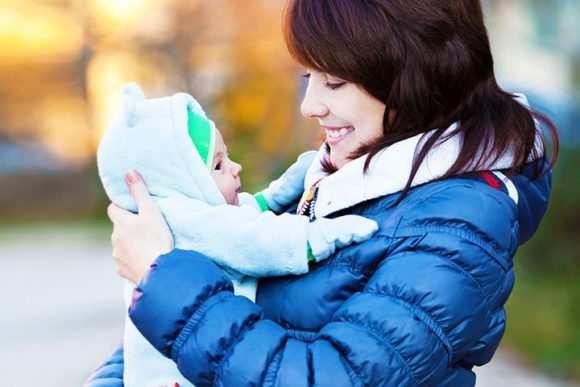 Полезные и безопасные прогулки зимой с новорожденным