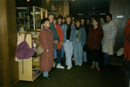 Verkaufsraum im Untergeschoss der Buchhandlung Schmitz
