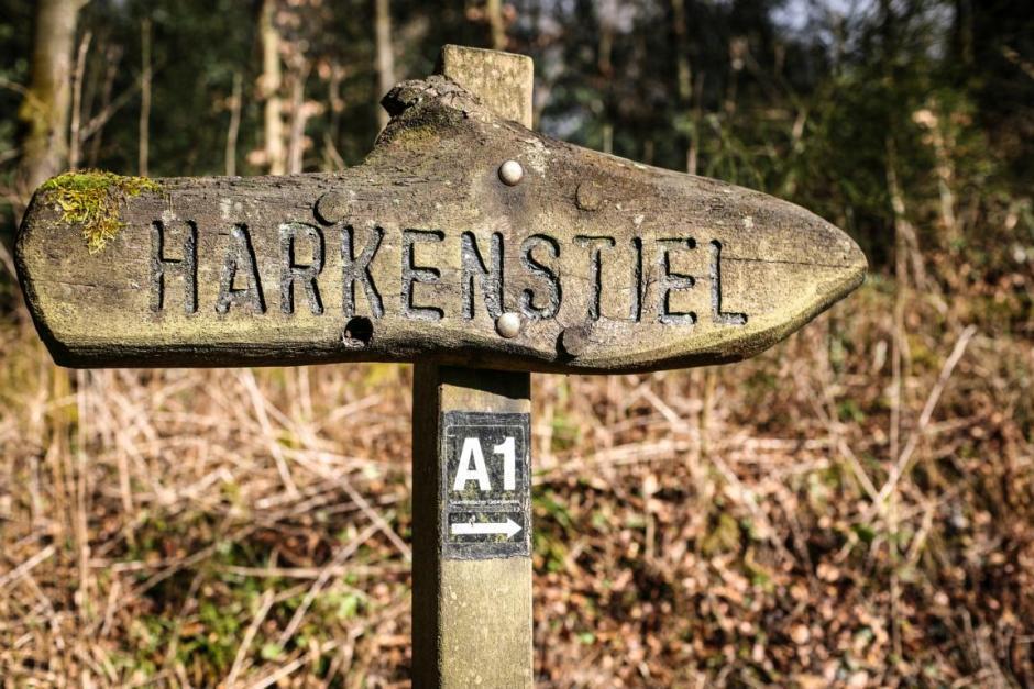 Harkenstiel, Wegweiser 2016 © Foto: Stefanie Schildchen