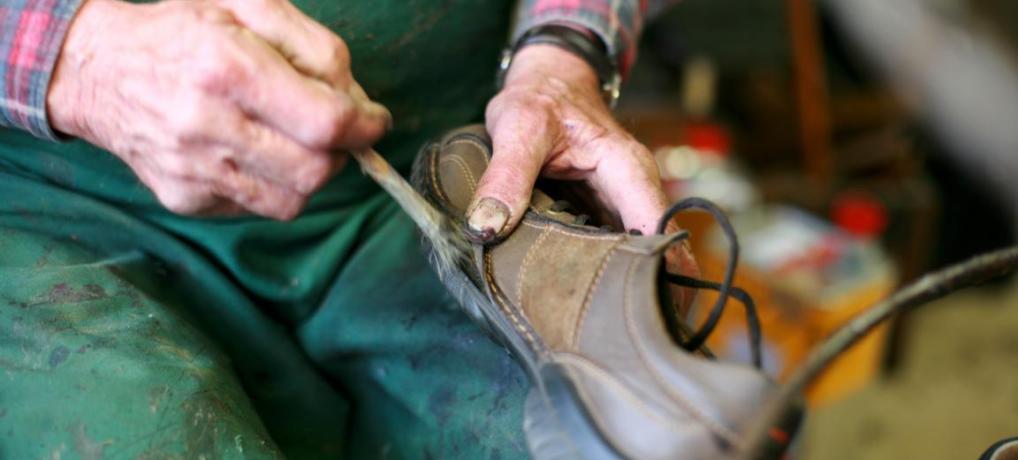 Schuhreparatur ist Handarbeit