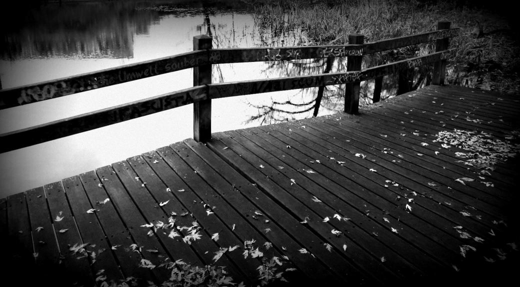 Brücke schwarzweiss