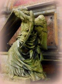 Engel auf Gruft