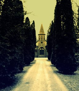 Kirche am Ende der Allee