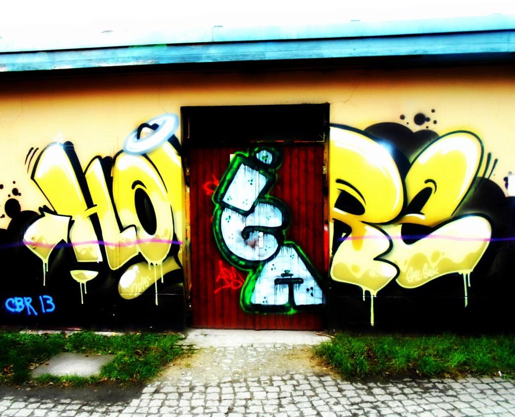 Tür mit Graffiti