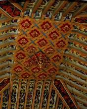 Kirchengewölbe nah