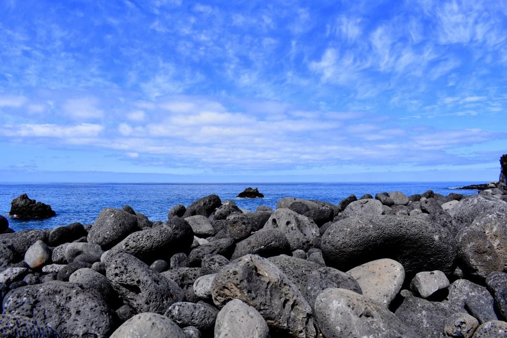 Lavasteine am Meer - Kopie