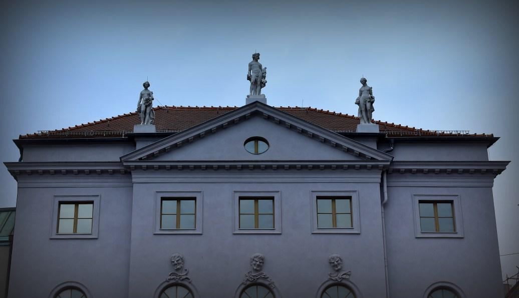 ber den Dächern 3