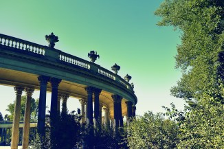 Auf Säulen