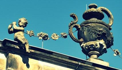 Engel mt Vase cross