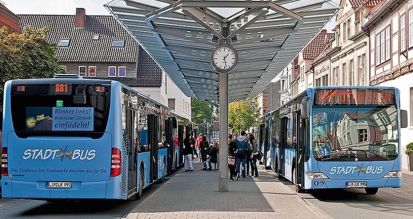 Stadtbusse am Treffpunkt