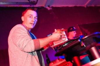 Worschdmeister B. Company Slow live im Cafe Q. Indoor Skateramp. Cafe Q. Live Rap Coburg.