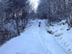 På ski opp en lang bakke, med fiskebein å greier:-)