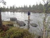 Turbloggeren jakter ørret ved innoset til Grislehåen.