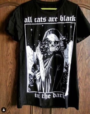 T-shirt Goth - All cats are black photo review
