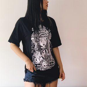 T-shirt goth de couleur noire