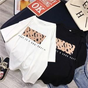 T-shirt style streetwear
