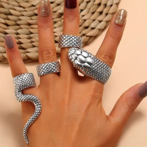 Bague gothique - Serpent en argent